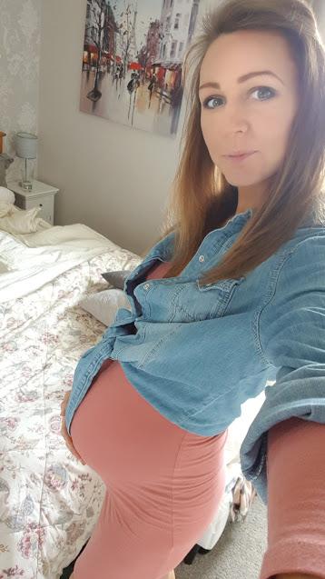 Pink body con, blue shirt